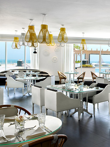 All Day Dining At Canvas Fairmont Fujairah Beach Resort Fairmont Luxury Hotels Resorts