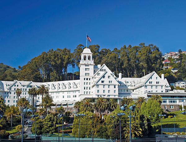 كليرمونت كلوب آند سبا، أحد فنادق فيرمونت (Claremont Club & Spa, A Fairmont Hotel)